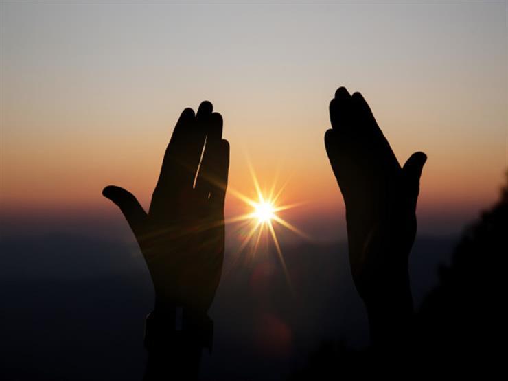 دعاء في جوف الليل: اللهم ارزقنا عيش الكرماء وارفع عنا كل بلاء