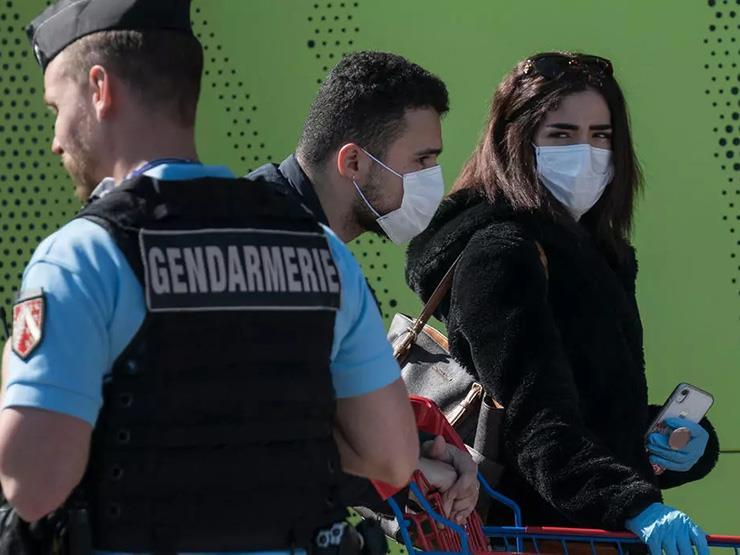 """فرنسا تحذّر: فيروس كورونا """"ينشط مرة أخرى"""""""