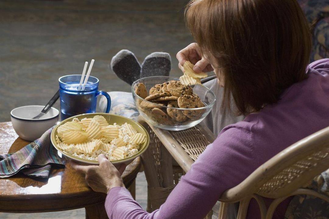 فيروس كورونا| 5 أطعمة يحظر تناولها خلال فترة العزل المنزلي (صور)