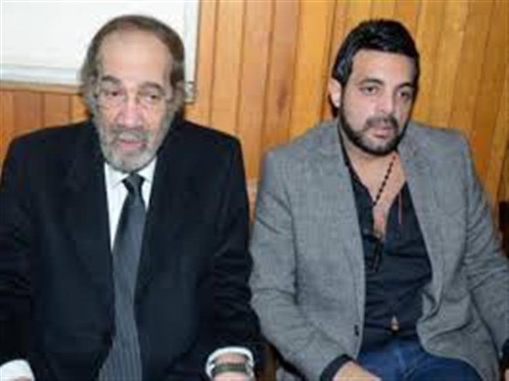 خاص عمرو محمود ياسين يعلق على شائعة وفاة والده مصراوى