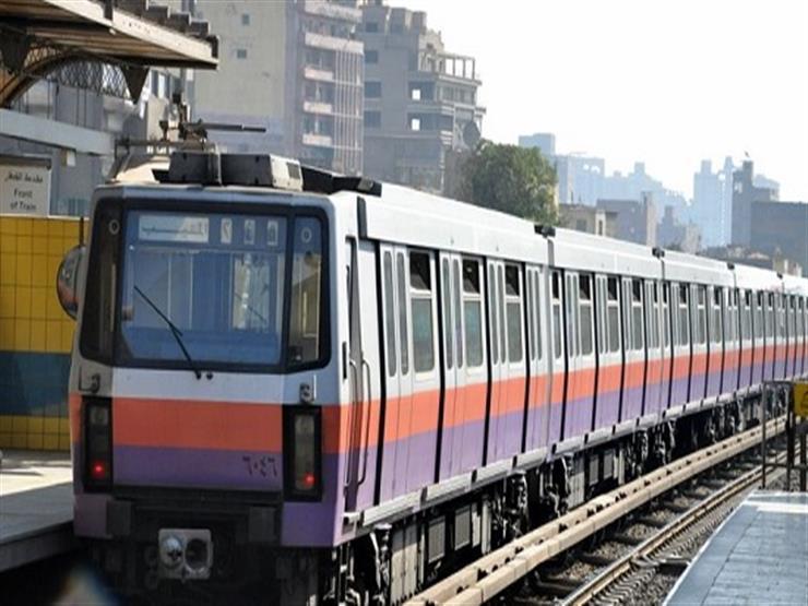المترو يدفع بـ٣ قطارات إضافية لمنع الزحام بالمحطات قبل الحظر