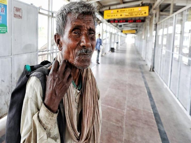 فقراء الهند يخافون أن يقتلهم الجوع قبل المرض