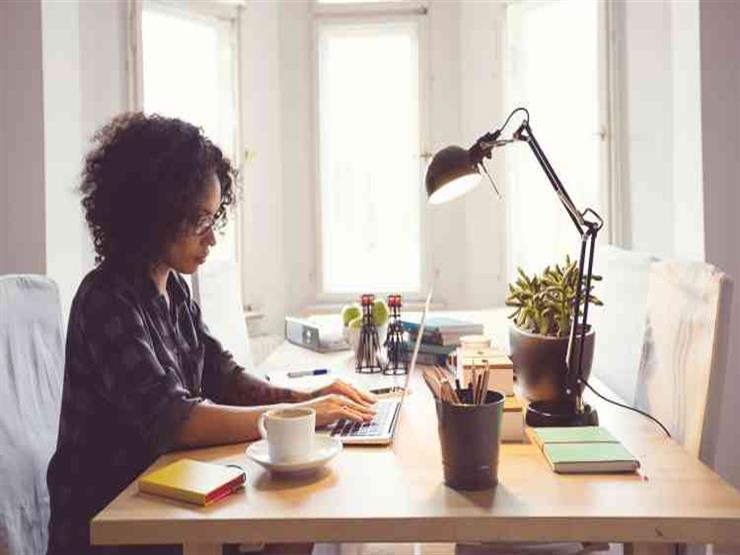 في زمن الكورونا.. تطبيقات إلكترونية تساعدك على العمل من المنزل