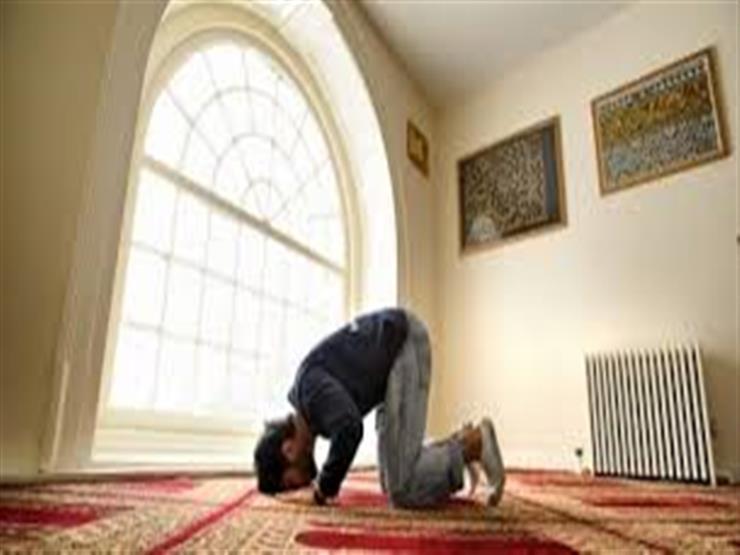بعد الدعوات لصلاة التراويح جماعة فوق أسطح المنازل.. الإفتاء تحسم الجدل
