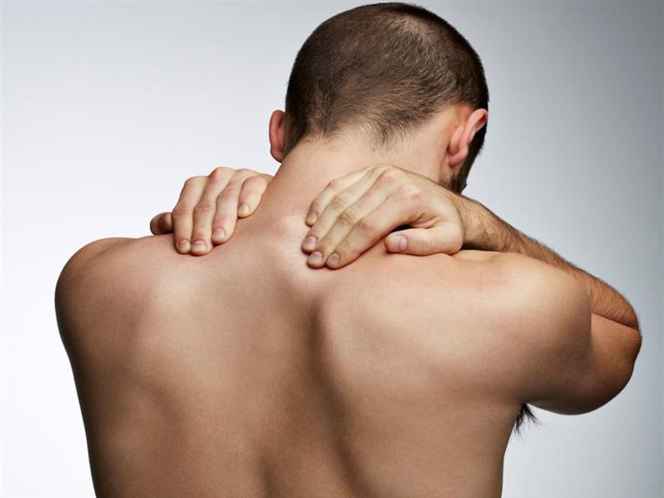 منها الخلع.. 4 مشكلات شائعة تسبب ألم الكتف