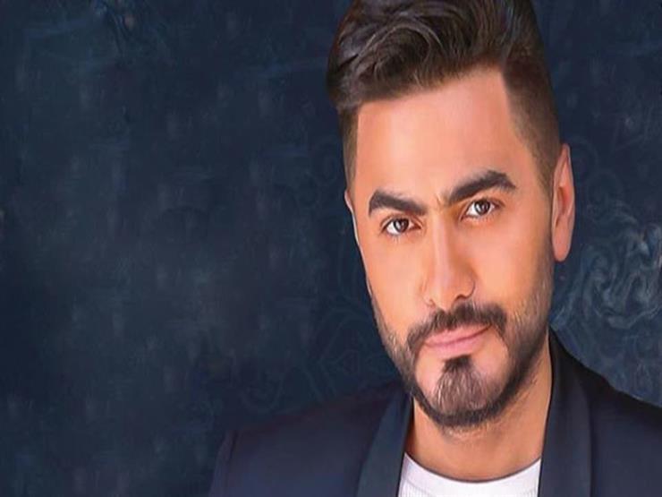 """تامر حسني يقاضي شخصا انتحل صفته: """"للأسف في ناس مصدقاه"""""""