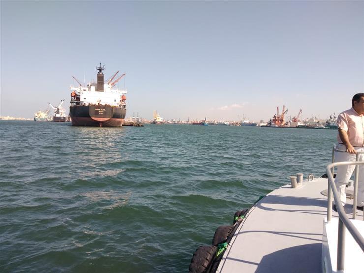 تداول ٢٠ سفينة حاويات وبضائع في ميناء دمياط