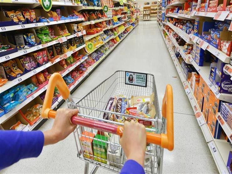 هل تتأثر السلع والمواد الغذائية بانخفاض أسعار البنزين؟