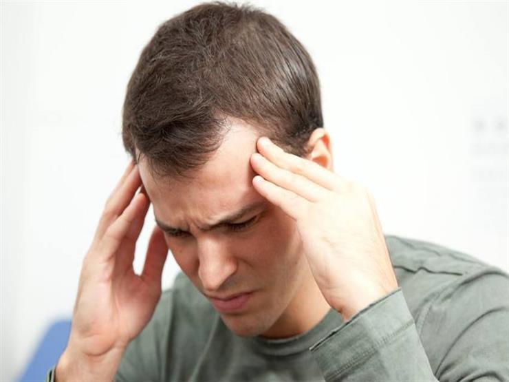 هذه الأعراض تنذر بنوبة الصداع النصفي