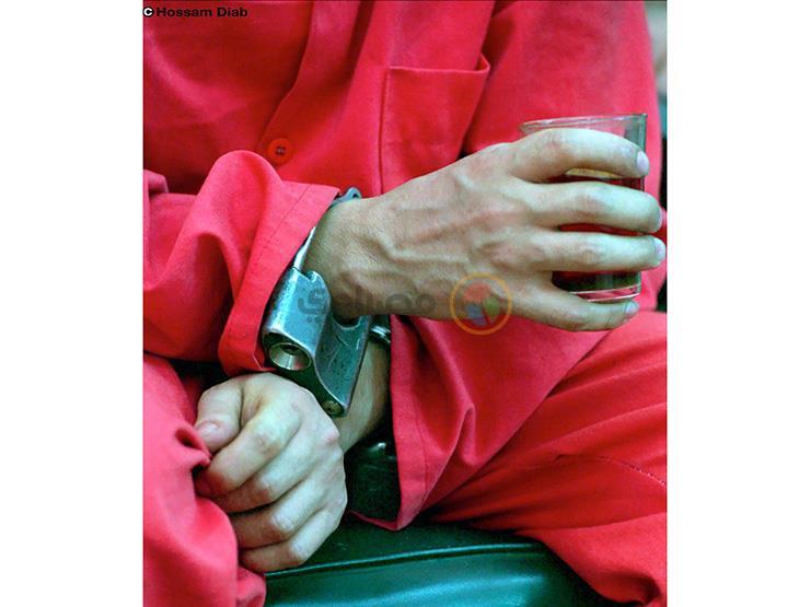 """صورة وحكاية (3).. """"كوباية شاي"""".. الطلب الأخير لقاتل قبل إعدامه"""