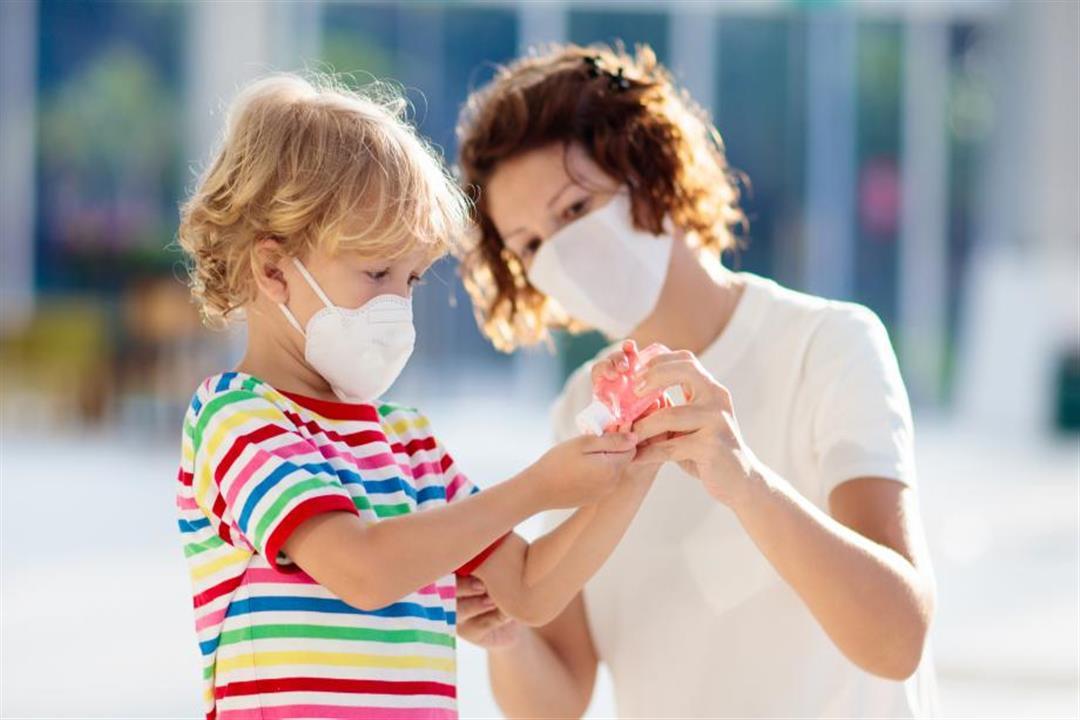 كيف تتعامل مع طفلك المصاب بفيروس كورونا؟.. نصائح للوقاية