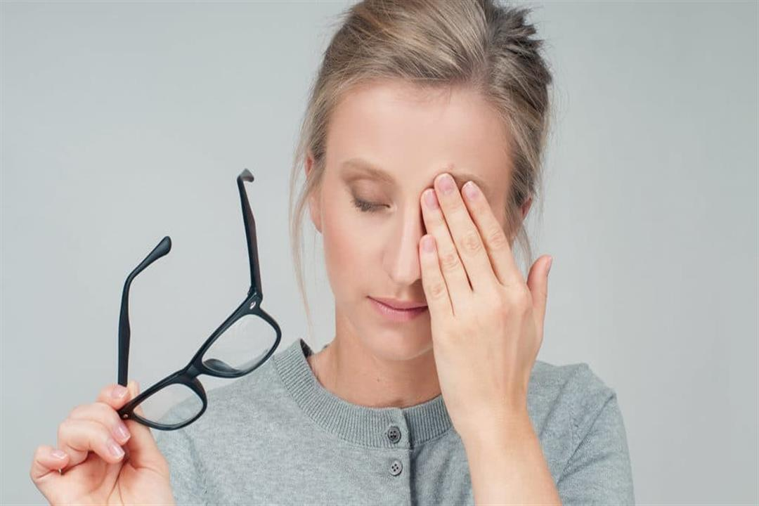 الكمادات بنوعيها.. 5 طرق منزلية بسيطة لعلاج احمرار العين