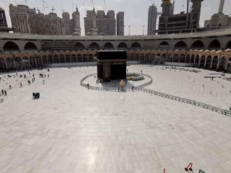 خسائر وتوقف نشاط.. شركات السياحة تعاني بعد توقف عمرة رمضان