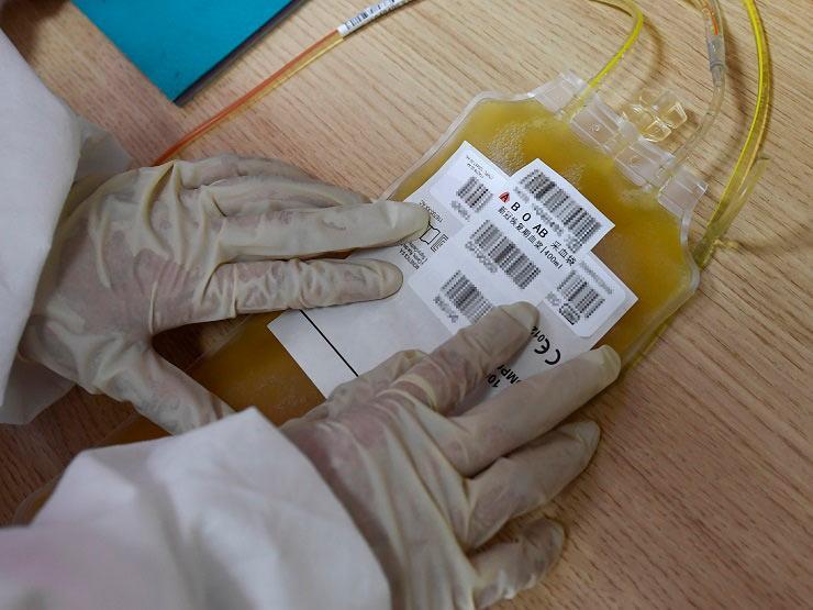 شركة ألمانية تعمل على تطوير دواء لكورونا يعتمد على بلازما الدم البشري