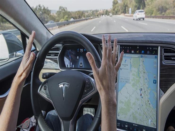 تيسلا قادرة على رؤية إشارات المرور وإبطاء سرعتها من خلال تحديثها الجديد