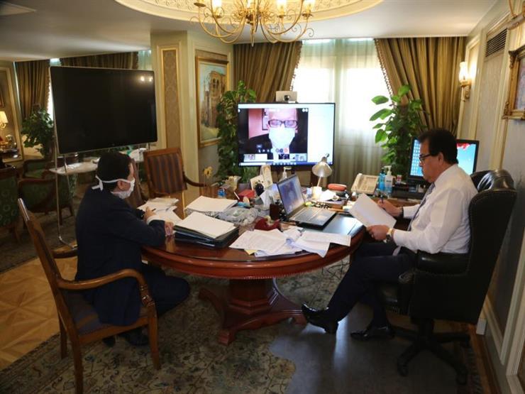 وزير التعليم العالي يرأس اجتماع مجلس إدارة معهد بحوث أمراض العيون