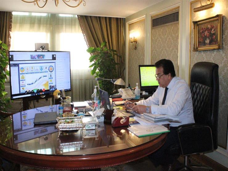 """وزير التعليم العالي يترأس اجتماع المجلس الأعلى للجامعات عبر """"الفيديو كونفرانس"""""""
