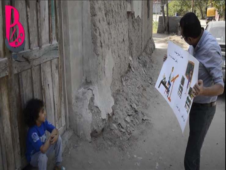 """بـ""""كتب وطعام"""".. هيثم يواصل جولات السعادة في قرى الشرقية"""
