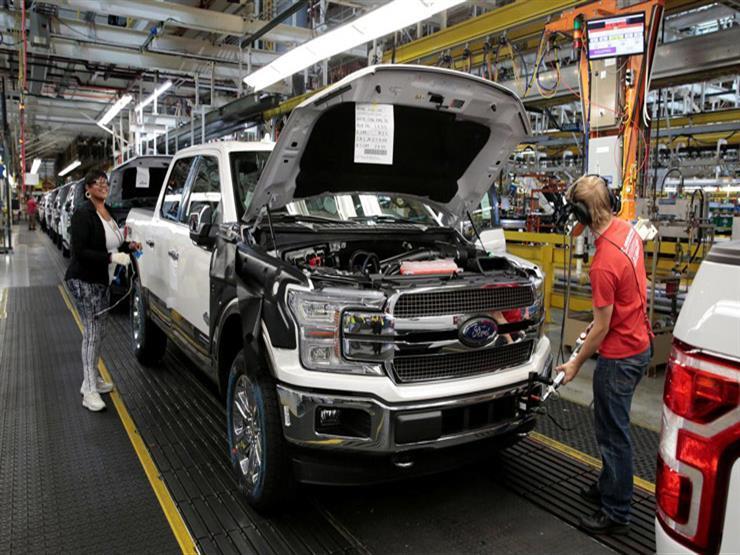 كورونا يعيد إغلاق مصنعين لفورد في أمريكا بعد أيام من إعادة فتحهما