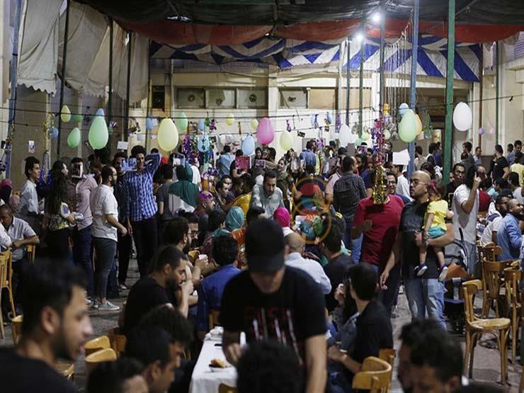 """بين التوقف و""""التيك أواي"""".. كورونا يُخيم على موائد رمضان"""