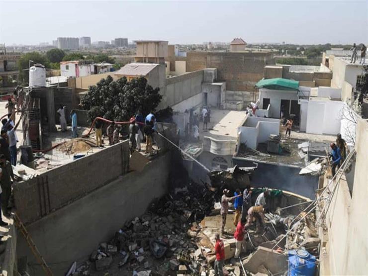 باكستان تعلن عن تعويضات لأسر ضحايا الطائرة المنكوبة