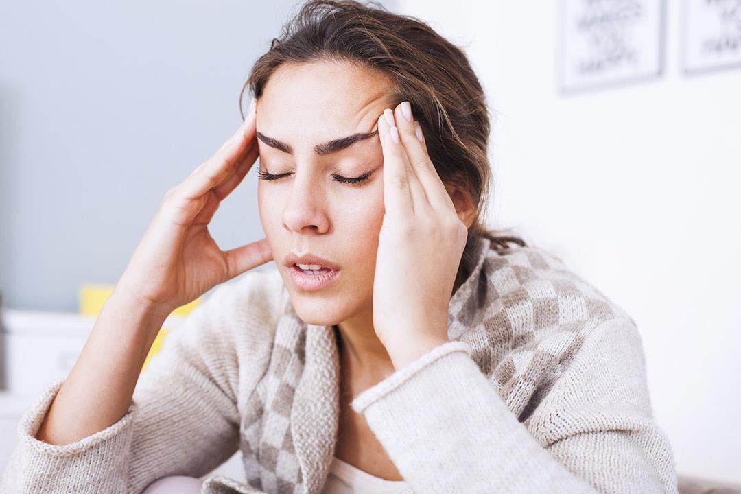 هل مرضى الصداع النصفي أكثر عرضة للإصابة بكورونا؟