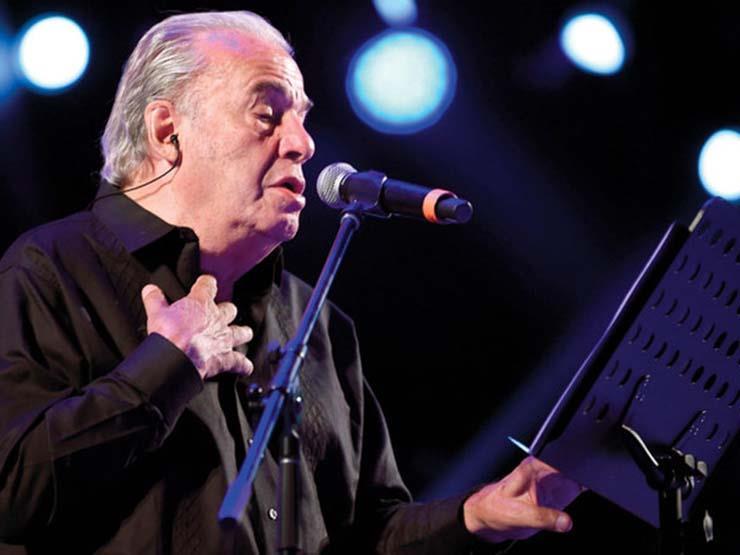 """وفاة المغني المكسيكي أوسكار شافيز بعد إصابته بـ""""كورونا"""""""