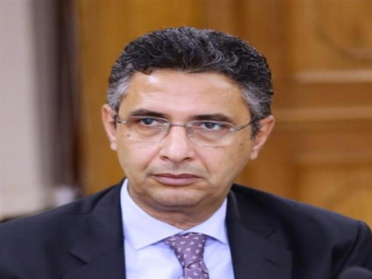 الاتصالات: شريف فاروق قائمًا بأعمال رئيس هيئة البريد لمدة عام