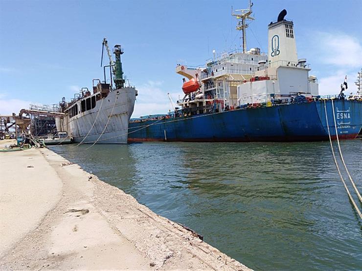 تفريغ 6400 طن حديد وتداول 26 سفينة بموانئ بورسعيد