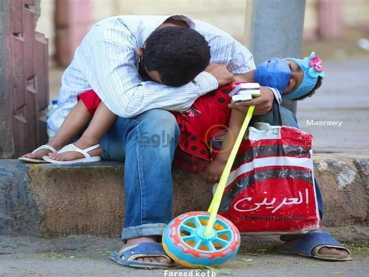 صورة بدلّت الأقدار.. رجل وابنته لم يعودا  في الشارع بعد تدخل وزارة التضامن
