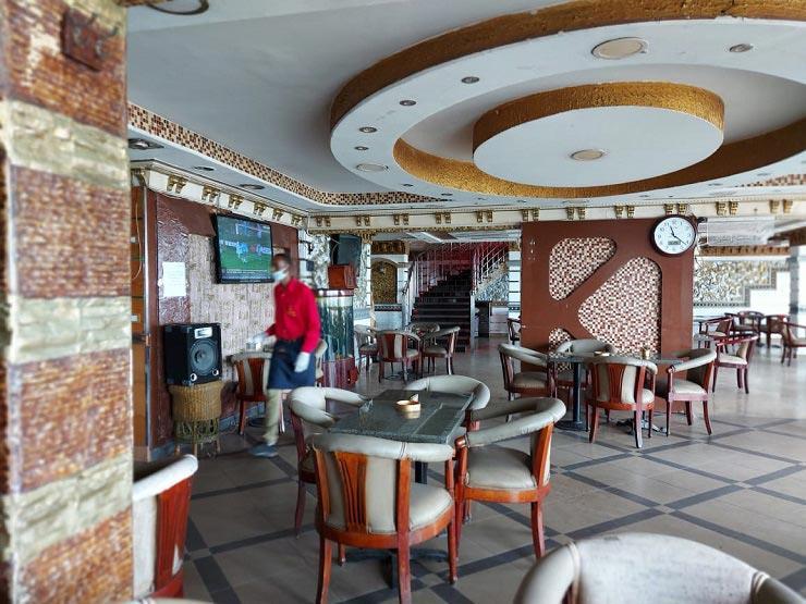 رئيس الشعبة: إقبال ضعيف على المطاعم والكافيهات بعد إعادة فتحها