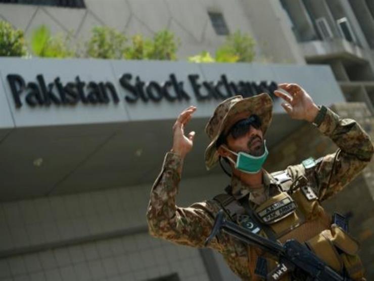 رئيس وزراء باكستان يتهم الهند بتدبير الهجوم على بورصة كراتشي