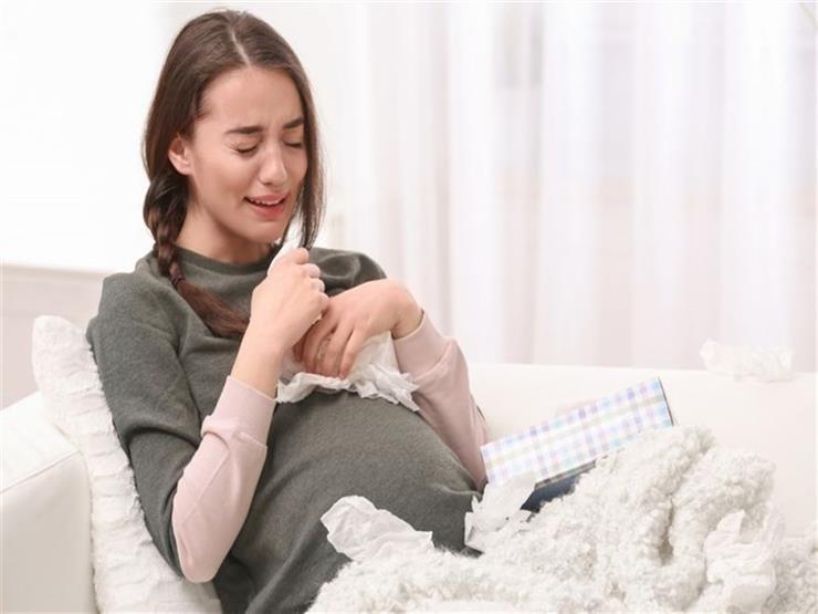 داخل الرحم وطيلة حياته.. هذا ما يحدث للجنين عن بكاء أمه أثناء الحمل؟