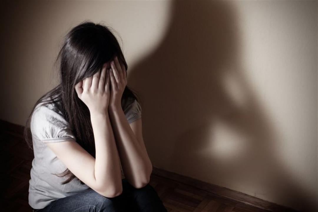 كيف يؤثر التعرض للتحرش الجنسي نفسيًا على الفتيات؟.. طبيبة توضح