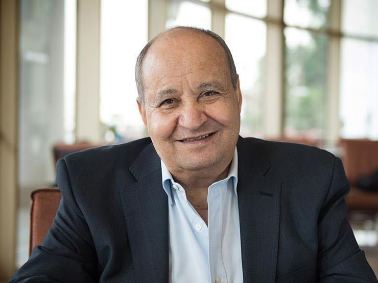 """""""القاهرة السينمائي"""" يكرم وحيد حامد ويمنحه جائزة الهرم الذهبي التقديرية.. والكاتب يعلق"""