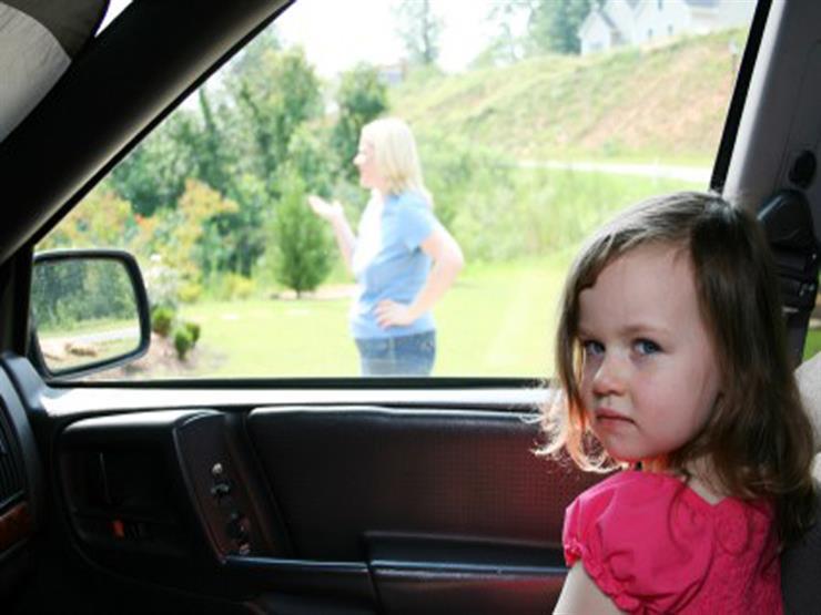 """خبراء عن ترك الأطفال داخل السيارة في فصل الصيف.. """"خطأ قاتل"""""""