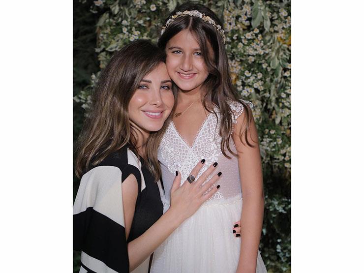 """نانسي عجرم تحتفل بابنتها """"إيلا"""":"""" إن شاء الله أيامك بيضا"""""""