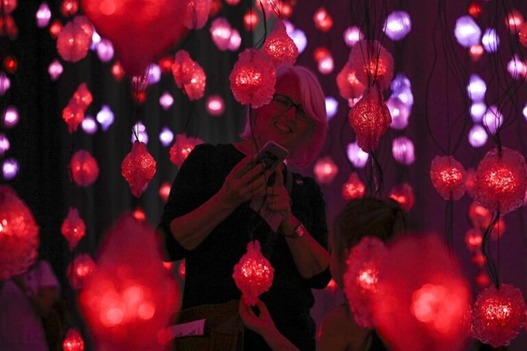 علماء: الضوء الأحمر يقي من تدهور شبكية العين لدى كبار السن
