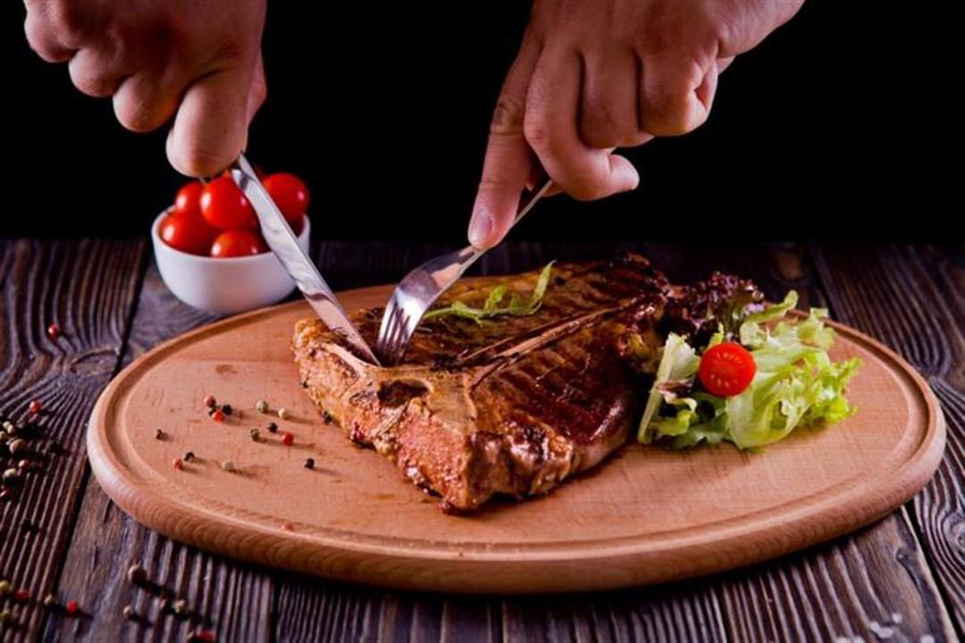 أعراضها مزعجة.. 10 نصائح لتجنب حمضية الدم عند تناول اللحوم في العيد