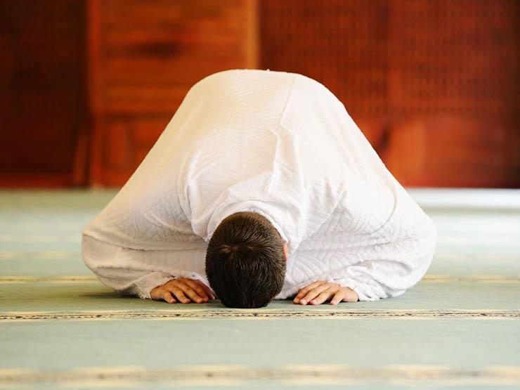 صورة يتكرر السهو في الصلاة وأحيانًا أنسى سجود السهو.. فما الحكم؟.