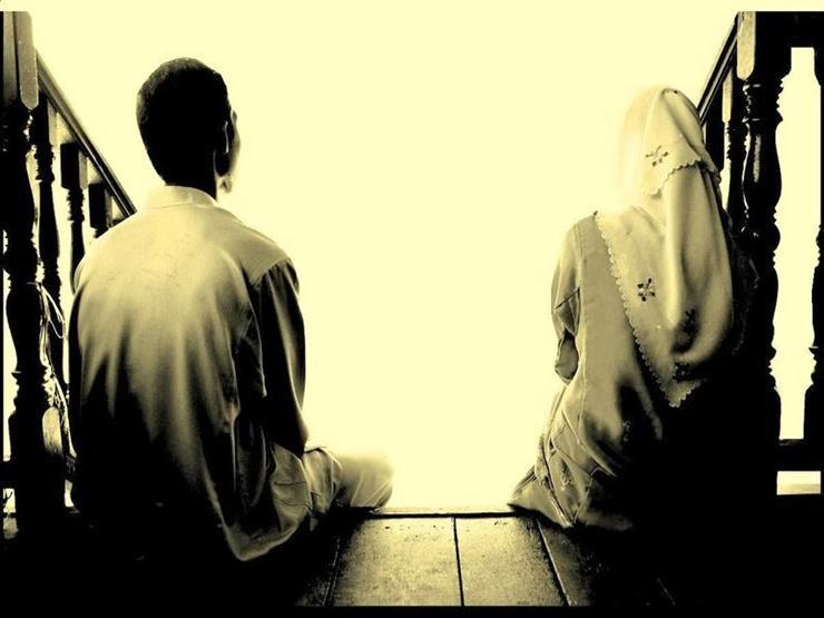 طلقت زوجتي طلقة أولى رجعية فهل يجوز إقامتها معي والخلوة بها؟.. البحوث الإسلامية يوضح