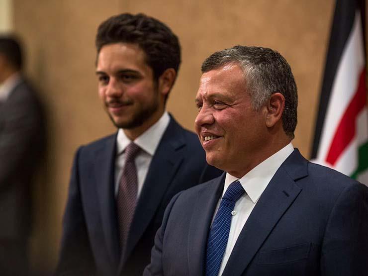 ملك الأردن وولي العهد يستقبلان السيسي والكاظمي