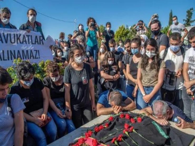 فرنسا تعرب عن أسفها بعد وفاة محامية تركية مسجونة