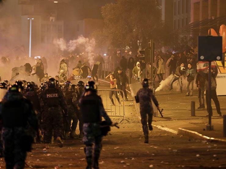 مواجهات عنيفة بين المتظاهرين وقوات مكافحة الشغب بوسط العاصمة | مصراوى