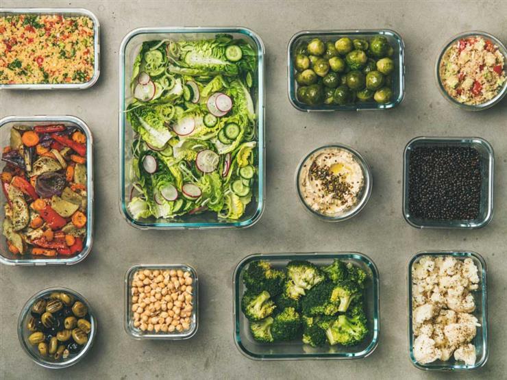 """""""تجنب التليفزيون أثناء الأكل"""".. 10 عادات بسيطة يمكنك تغييرها لإنقاص وزنك"""