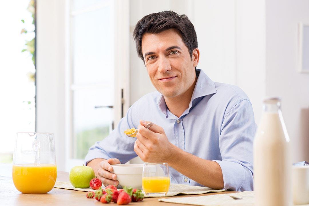 تشعر بالجوع بعد تناول الإفطار؟.. إليك السبب