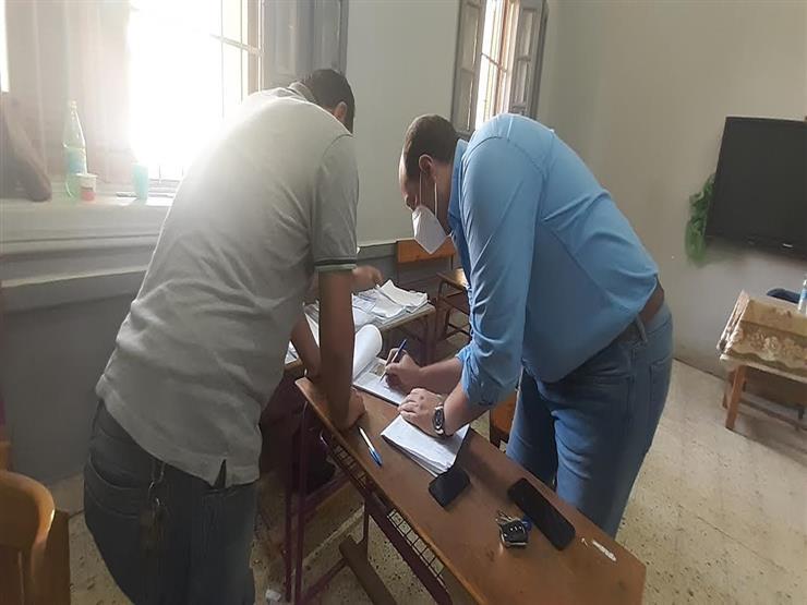 وكيل لجنة الشئون الإفريقية بالنواب يدلي بصوته في انتخابات الشيوخ بالمنوفية