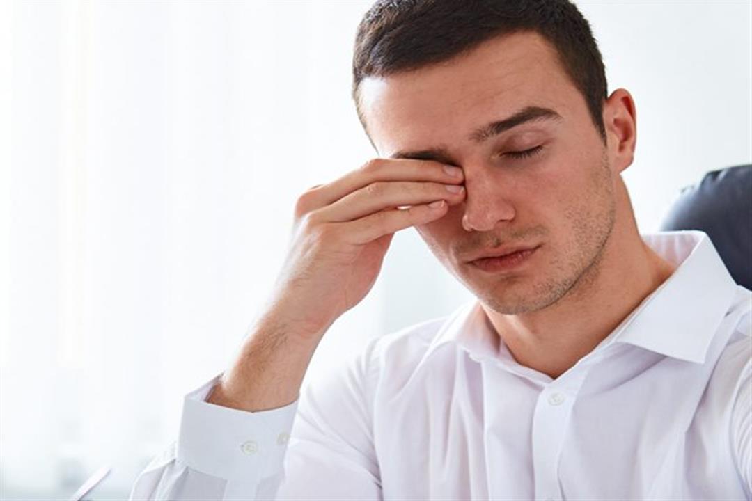 ما أسباب حرقان العين البسيطة والخطيرة؟
