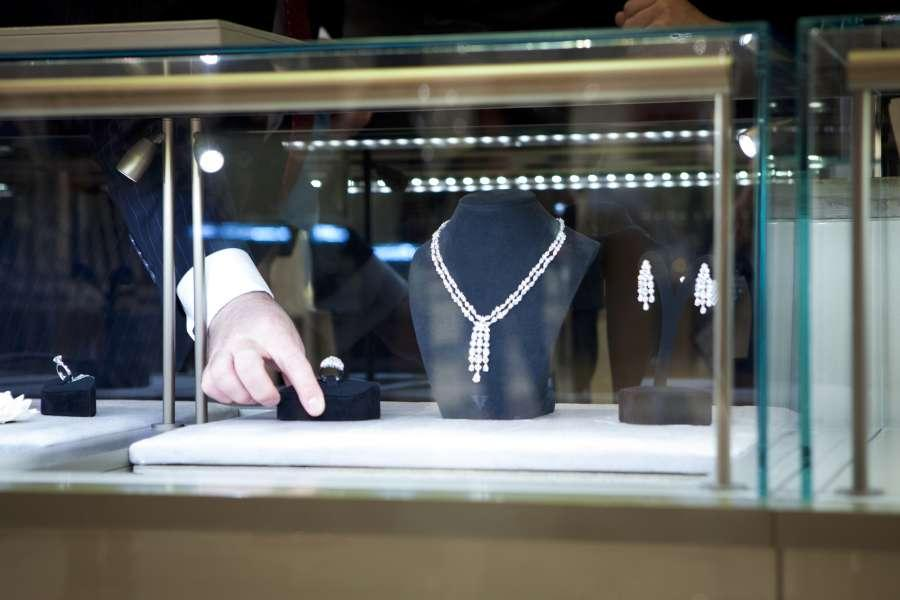 جديد موضة مجوهرات الزفاف من متجر Harvey Nichols