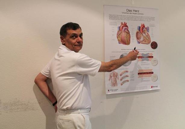 الطبيب المصري الأصل خالد واصف